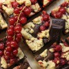 Beerenstreusel-Brownies