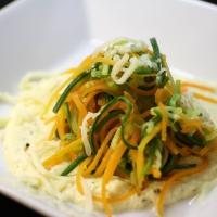 Gemüse-Pasta mit Frischkäse-Sauce (Low Carb)