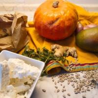 HERBST trifft SOMMER - Kürbissuppe mit Mango