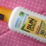 [Review] Mein Sonnenschutz #2 – dm Sundance sensitive Sonnenspray 50 Hoch