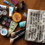 Reisekosmetik packen – Tipps & Tricks für leichtes Gepäck