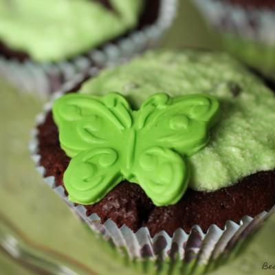 Schoko-Mint Cupcakes mit After-Eight und Schmetterlingen