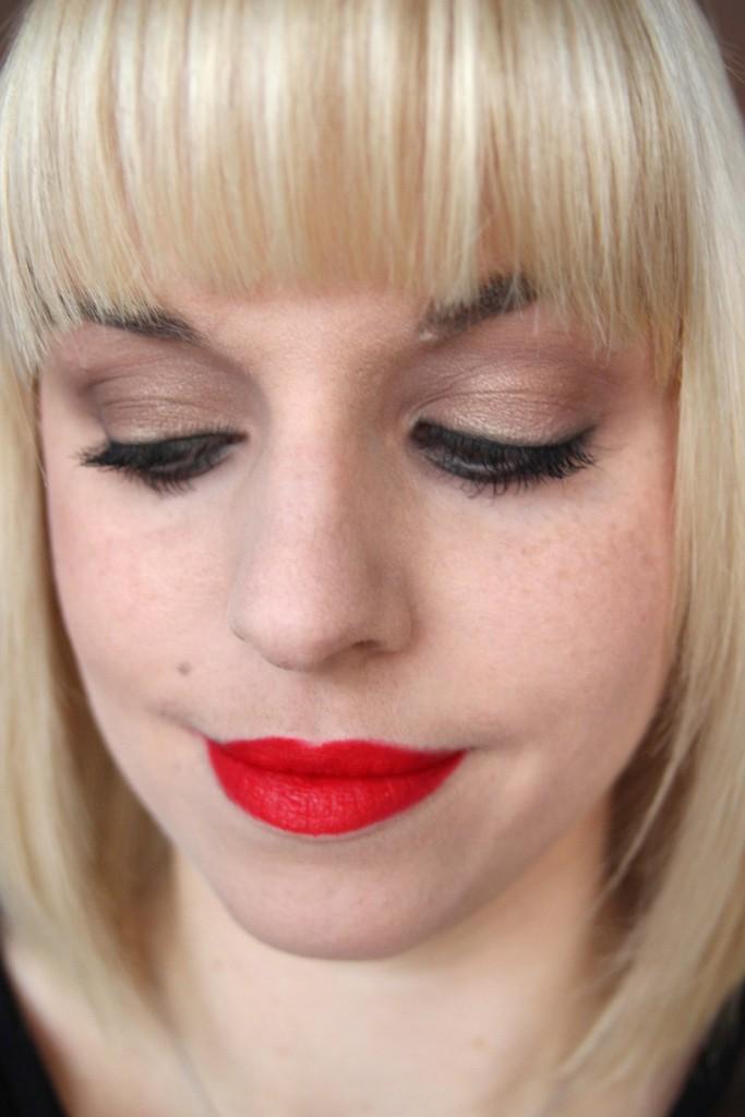Alltagslook mit roten Lippen_1