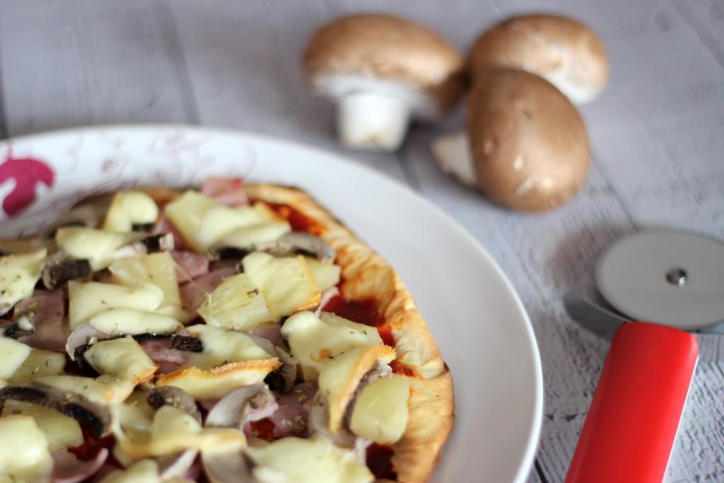Low Carb Pizza mti frischkaeseteig Die beste 2
