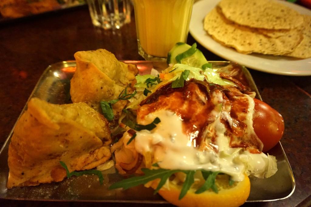 AMRIT indisches Restaurant Berlin Samosas