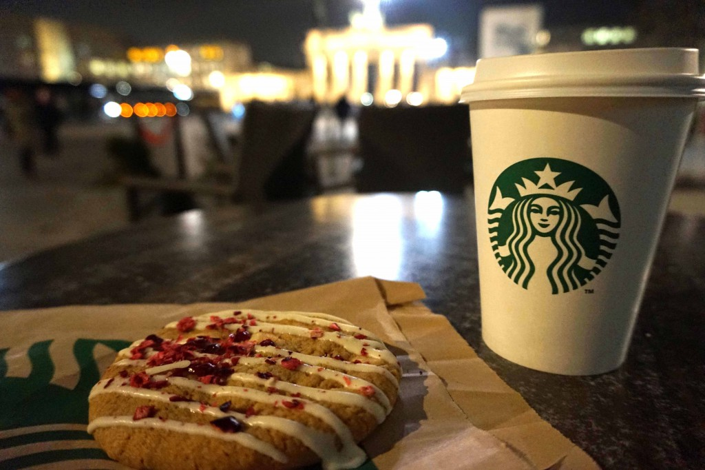 Berlin Brandenburger Tor Starbucks Pariser Platz