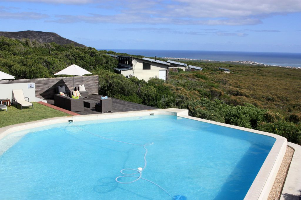 2 Grootbos Nature Reserve Sing meinen Song Forest Lodge Pool - www.beautybutterflies.de