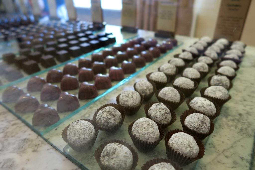2 Spice Route Paarl South Africa Chocolate- www.beautybutterflies.de