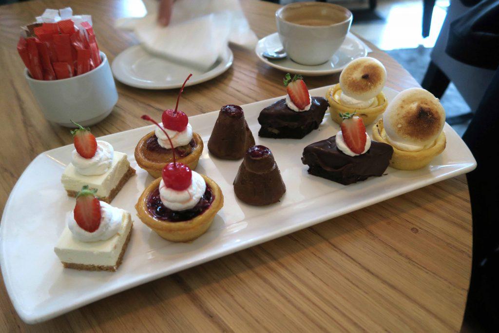 28 Winchester Mansions Hotel Restaurant Harveys Dessert Plate - www.beautybutterflies.de