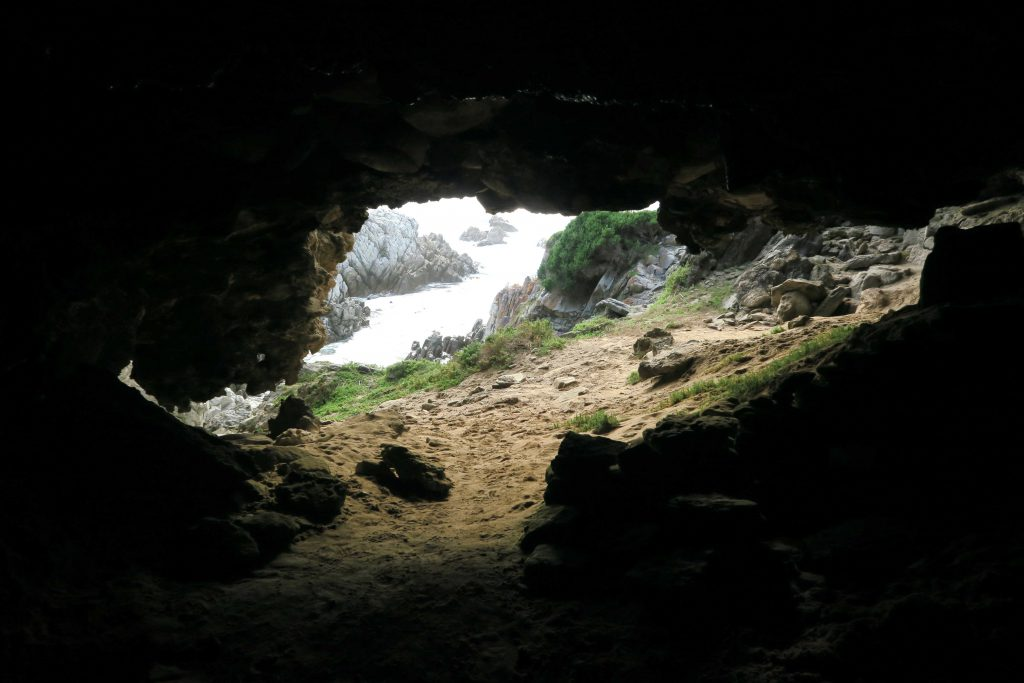 4 Grootbos Nature Reserve Sing meinen Song Beach walk cliffs caves Hoehlen und Strand 4 - www.beautybutterflies.de