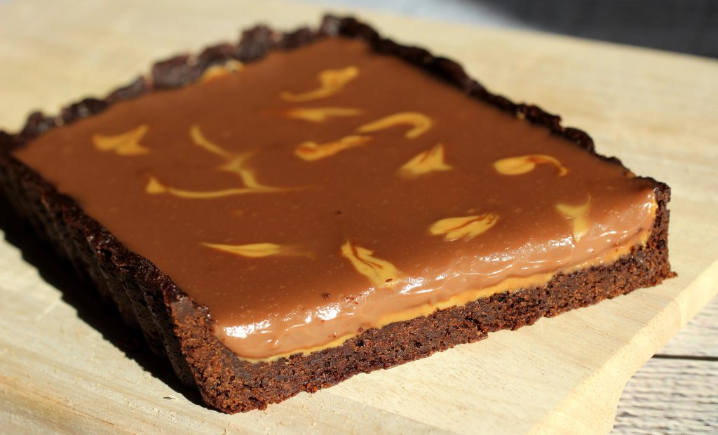 Rezept Chocolate Peanut Butter Tarte - www.beautybutterflies.de