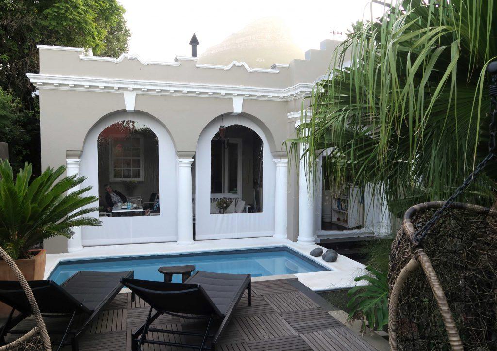1d Jardin d'ebene Cape Town Southafrica Pool -  www.beautybutterflies.de
