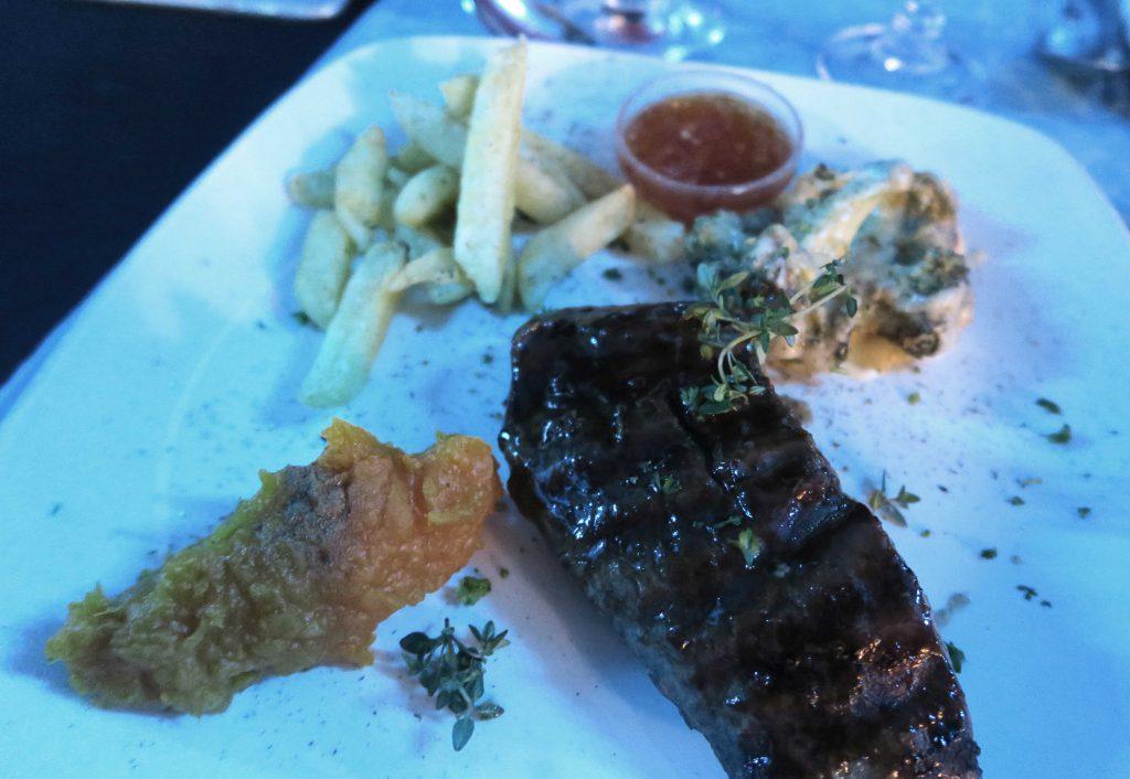 4 Jojos Knysna Restaurant Straussensteak South Africa - www.beautybutterflies.de