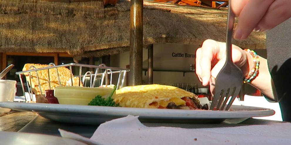 6b Tsitsikamma Main Restaurant South Africa Fruehstueck Omelette - www.beautybutterflies.de