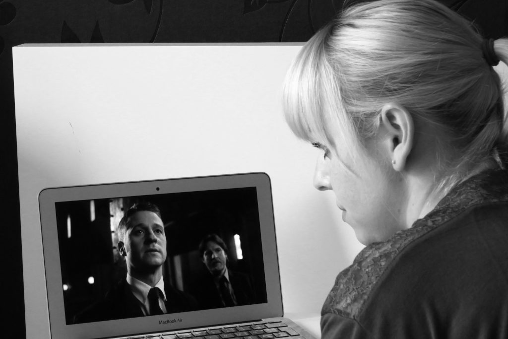 Netflix Gotham Serienjunkie EIn Tag im Bett - www.beautybutterflies.de