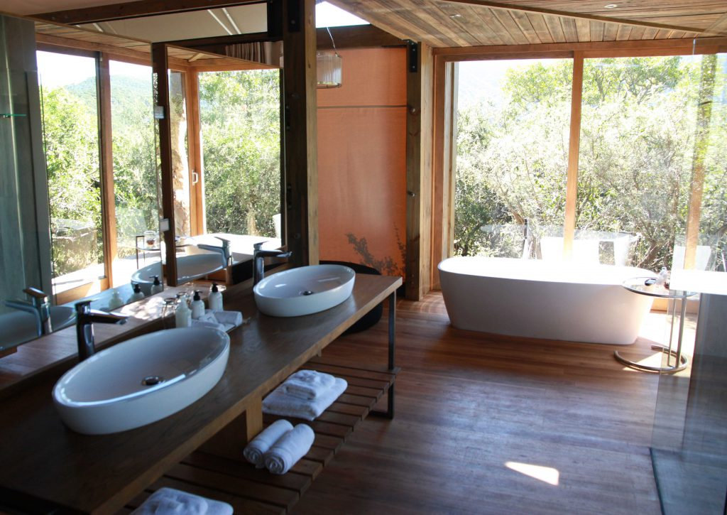 Kariega Private Game Reserve - Settlers Drift Bathroom - www.beautybutterflies.de
