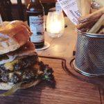 [Hannover isst] The Harp – Gemütliche Pub-Atmosphäre & Kreative Burger