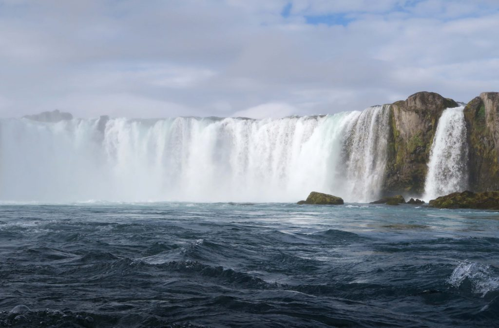 1-iceland-godafoss-waterfall-island-wasserfall-www-beautybutterflies-de-4