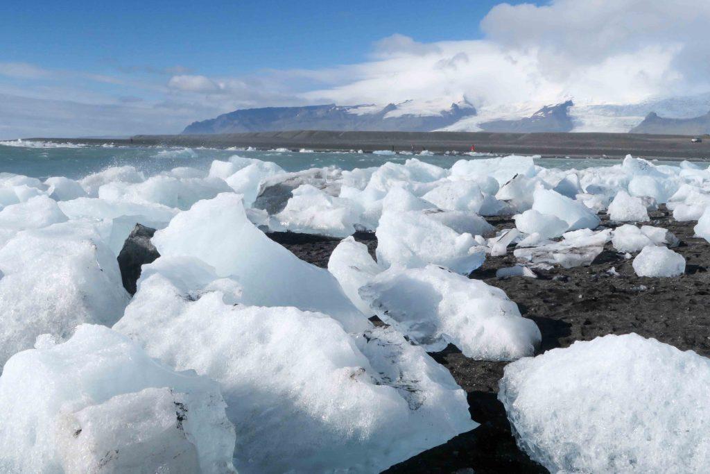 13-gletscherlagune-joekulsarlon-strand-glacier-lagoon-www-beautybutterflies-de-1