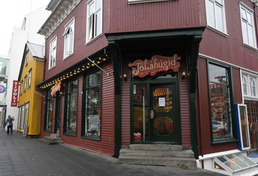 7-reykjavik-hip-island-iceland-christmas-shop-www-beautybutterflies-de