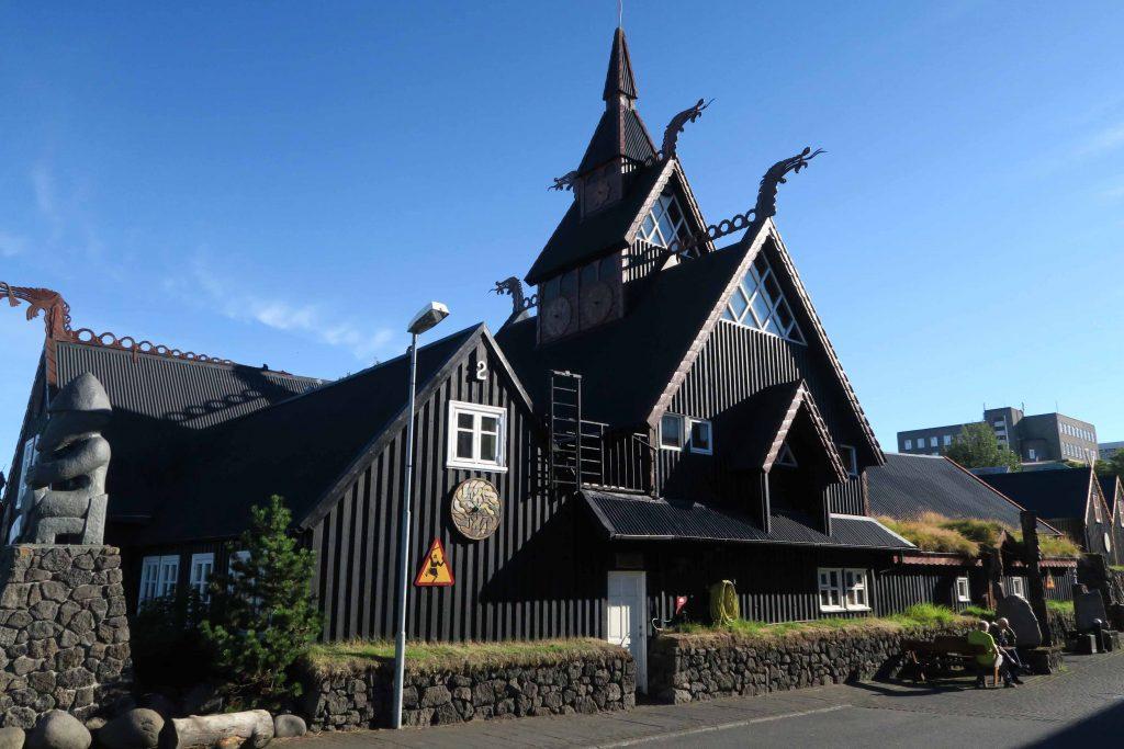 around-reykjavik-hafnarfjoerdur-vikings-wikinger-elfen-island-2-www-beautybutterflies-de