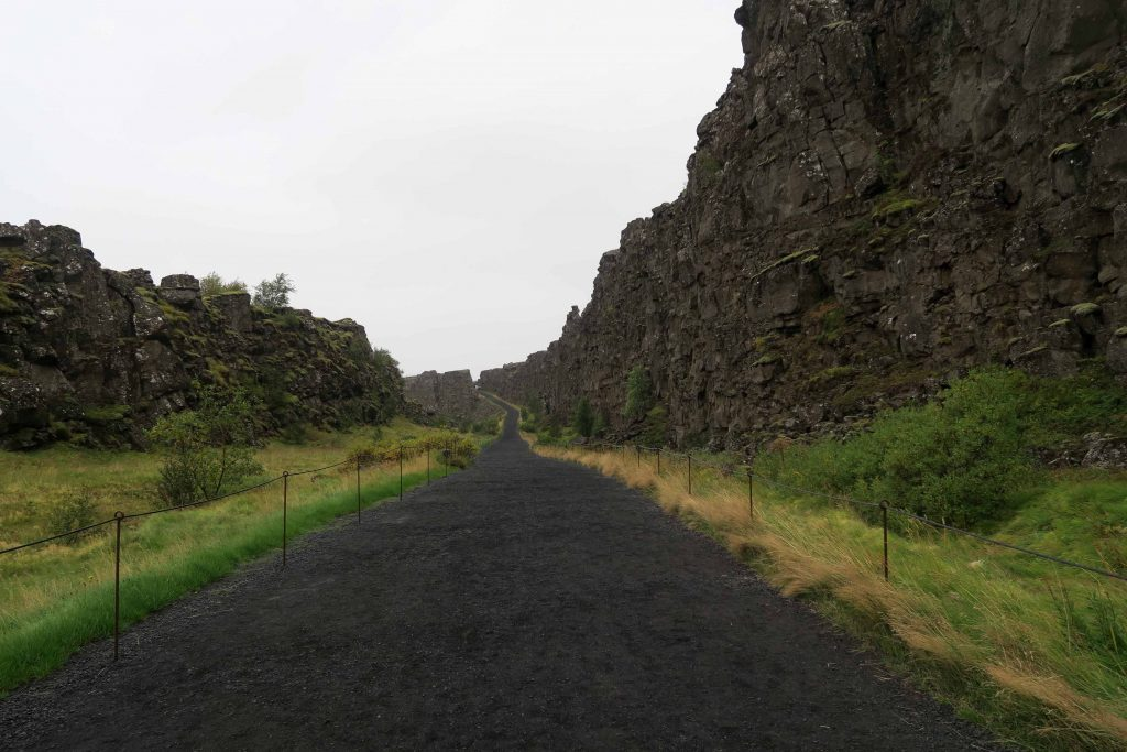 around-reykjavik-thingvellir-national-park-erdspalte-golden-circle-3-www-beautybutterflies-de