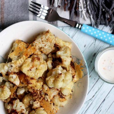 Blitzschneller würziger Ofen-Blumenkohl mit Käse